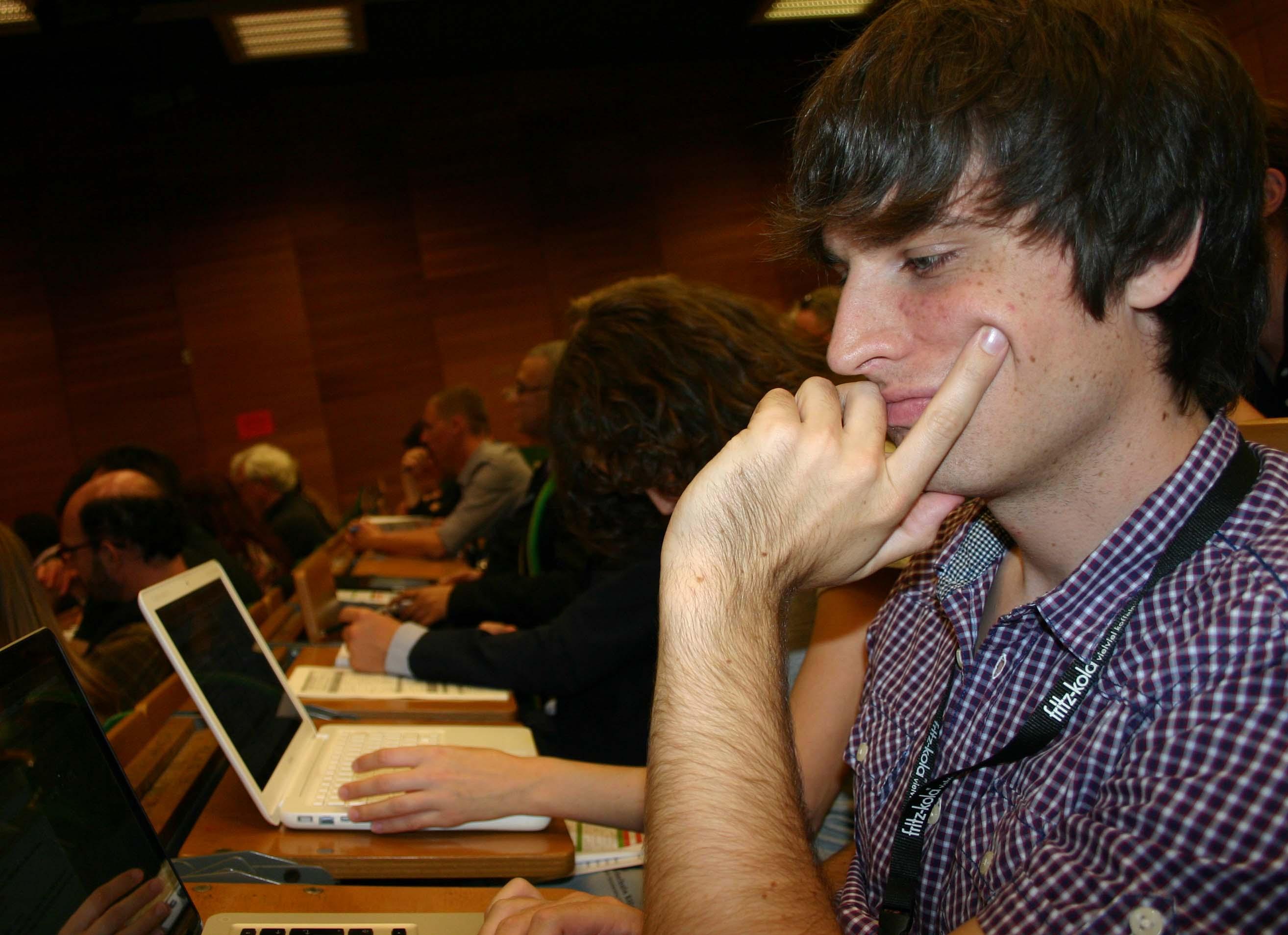 Jonathan, gestern, hoch konzentriert - im Hintergrund Anja / Foto: Daniel Drepper